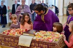 Kukat Kristuksen haudalle, kuva: Teuvo Martiskainen