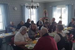 Ruokailu liturgian jälkeen Seurakuntakeskus Eliassa